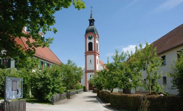 Kirch im Dorf