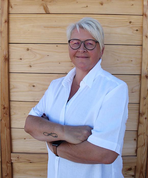 Angela Geyer <br> a.geyer@berchtold-reisen.de
