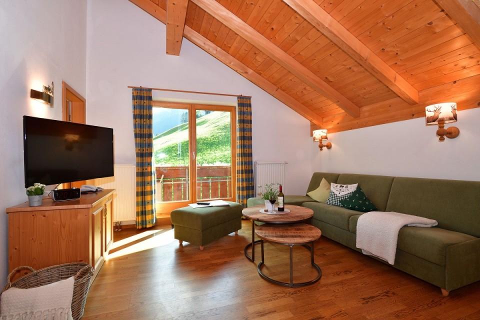 Gemütliche Wohnungen alpenländisch-modern eingerichtet