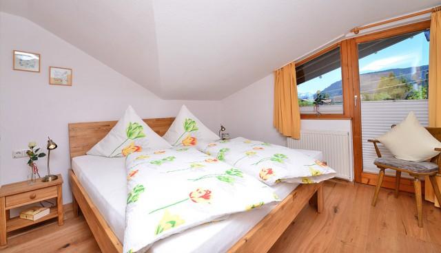 Ferienwohnungen mit Bergblick & Südbalkon