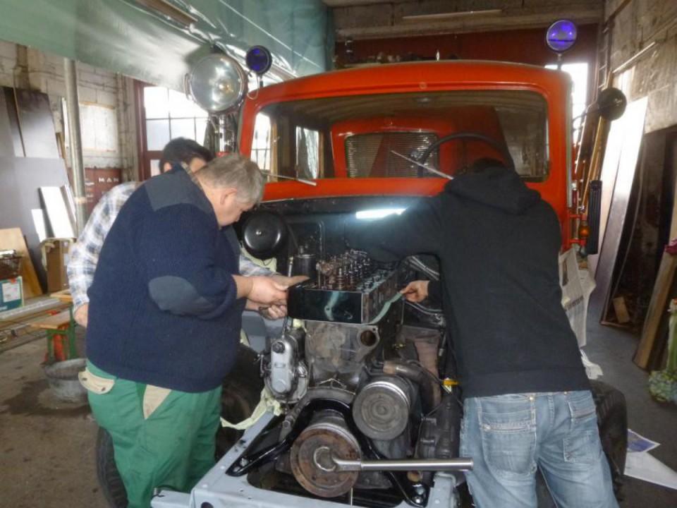 Reparatur am Motor