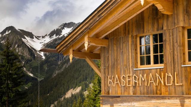 Holzhaus und Fassade
