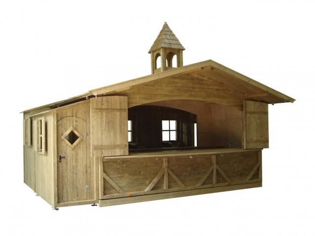 Glühweinhütte mit Gastraum und Glockenturm
