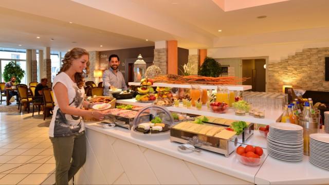 Reichhaltiges Frühstücksbuffet im Hotel Restaurant Langenau