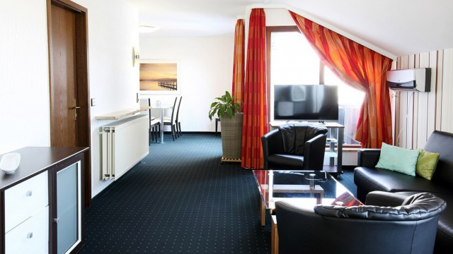 Schickes Ambiente in einer möblierten Wohnung im Hotel