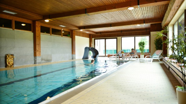 Großzügiges Schwimmbad in unserem Hotel in Nesselwang