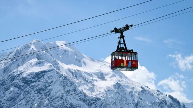 Bergbahn im Winter