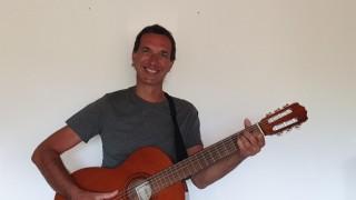 Holger König neuer Gitarrenlehrer im Kleinwalsertal