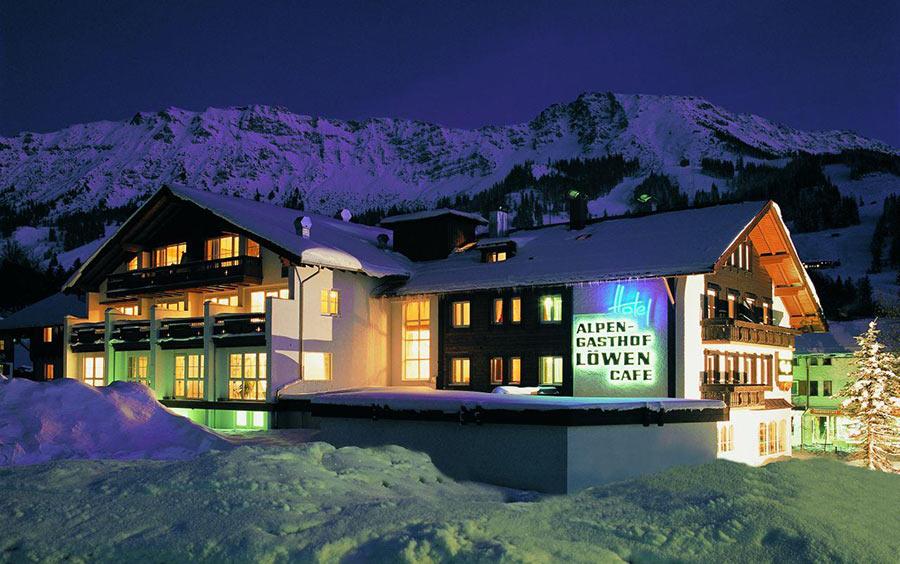 Das Hotel-Alpengasthof Löwen mit Wellnessbereich: Ansicht des Hauses
