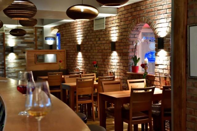Bar mit Restaurant