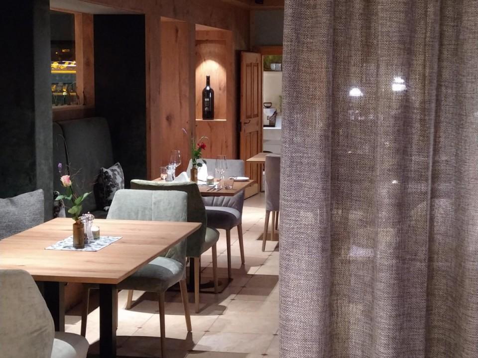 Wohlfühlen & Geniessen im Restaurant Ausblick83