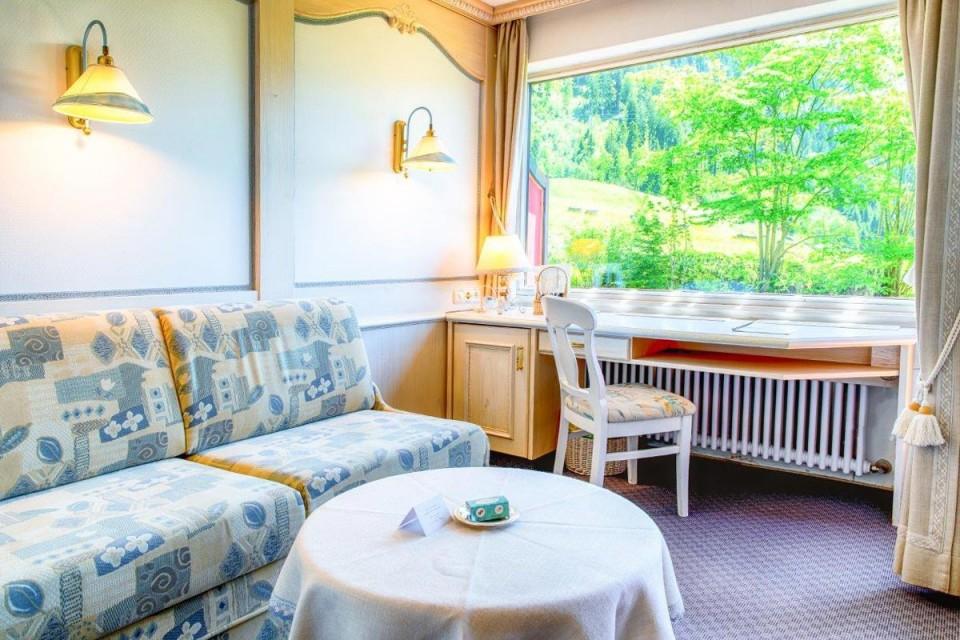 Charmantes Doppelzimmer Edelweiß mit Wohnbereich im Suitenstil