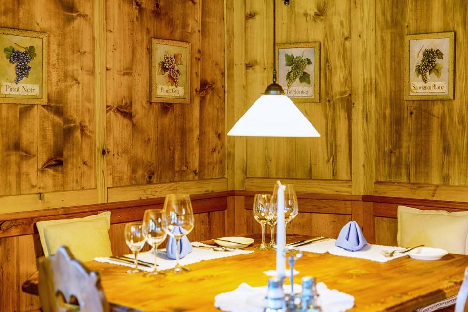Restaurant mit Wein aus Österreich und Umgebung