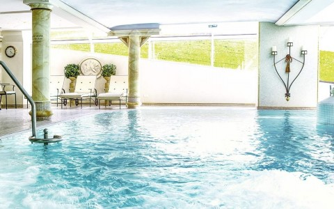 4 Sterne Hotel mit Schwimmbad - Wellness direkt in Riezlern