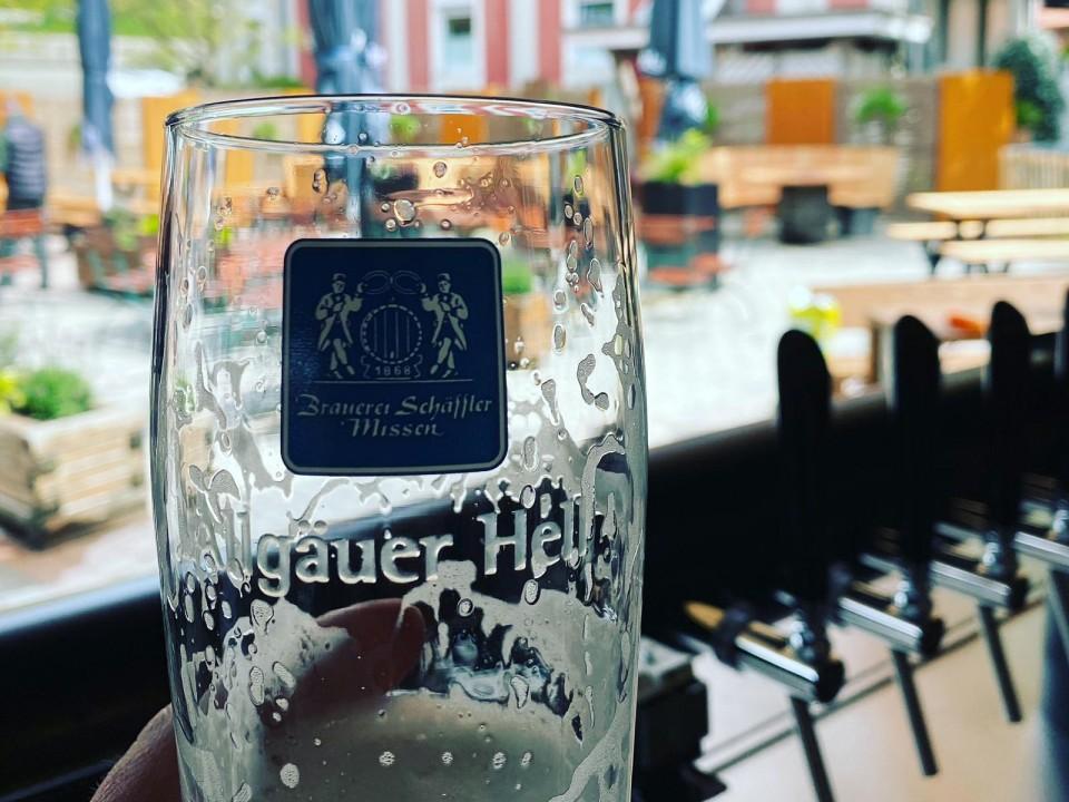 Erstes frisch gezapftes Bier!