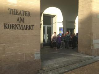 Vevi - Besuch im Landestheater