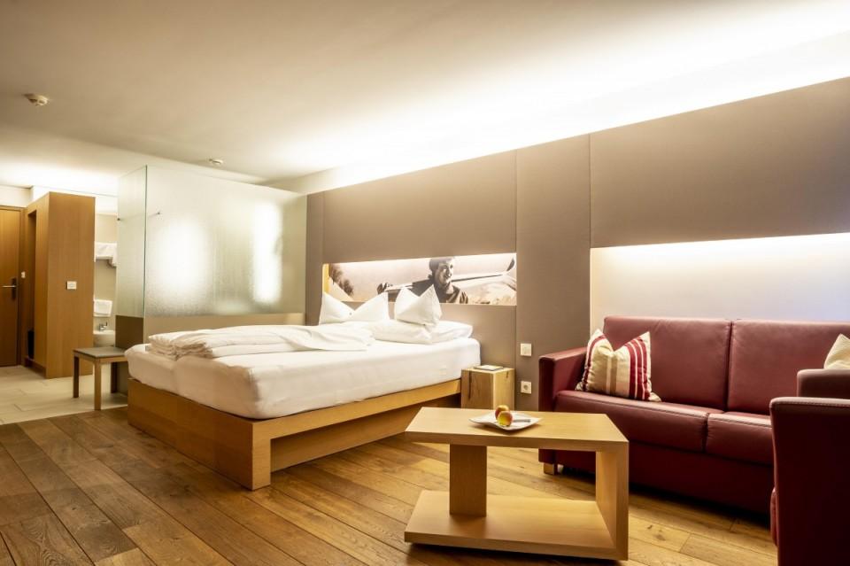 Gemütliches und modernes Zimmer im Sonne Hotel in Österreich