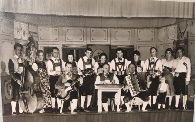 Trachtengruppe 1957/1958