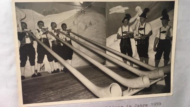Erster Auftritt der Alphornbläser 1959