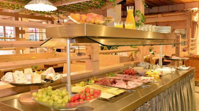 Frühstücken in der Traube in Oberstdorf im Allgäu