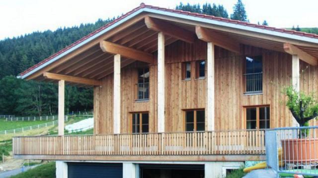 Langjährige Erfahrungen im Fertighausbau für schlüsselfertige Holzhäuser