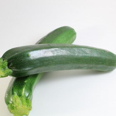 Gemüse - Zucchini grün